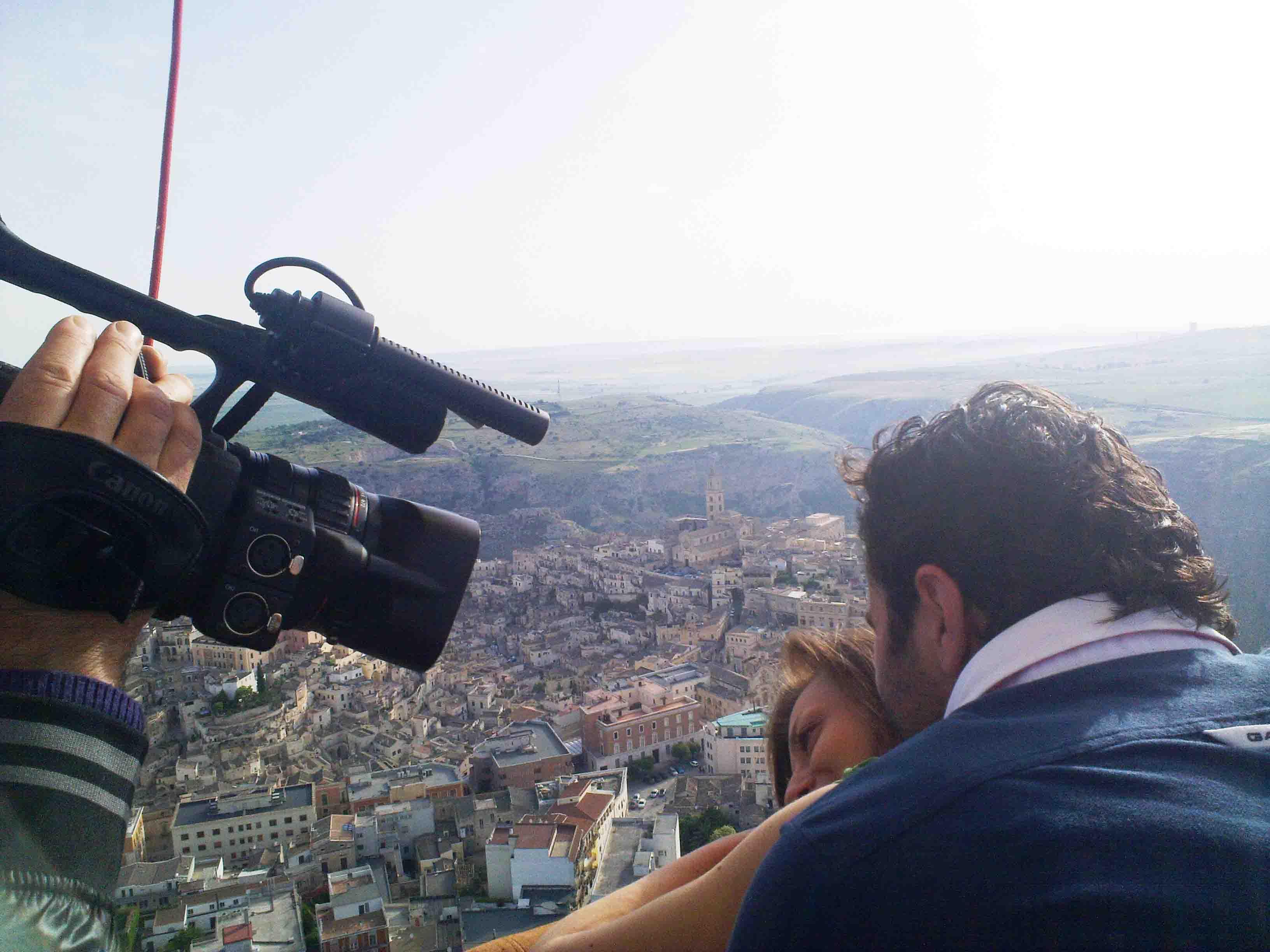 Video matrimoniale in mongolfiera